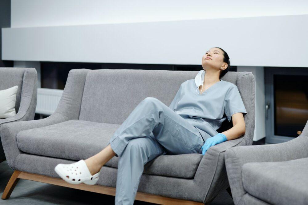 睡眠障害で体調を崩し3年で看護師をやめることに