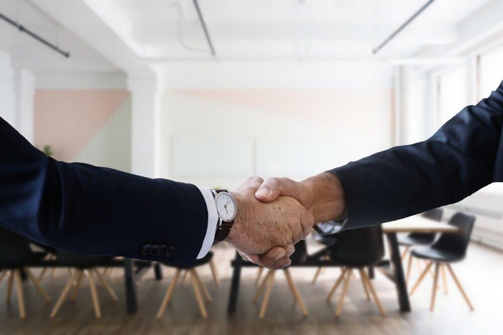保険の販売営業員になる方法